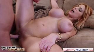 Kinky cougar Alyssa Lynn suck cock outdoors