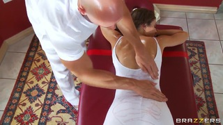 Jenni Lee is stretching her muscles before hardcore sex