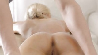 Chick welcomes cock to screw her virgon pussy